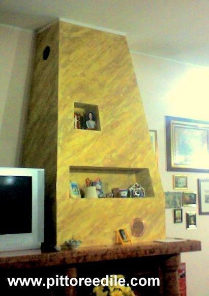 Decorazione a stucco veneziano della cappa in cartongesso di un ...