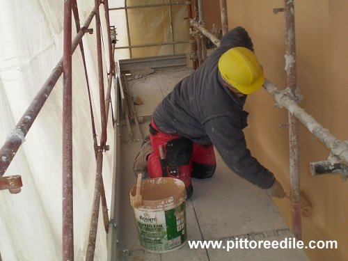 Tinteggiatura pareti esterne - Pittura esterna casa ...