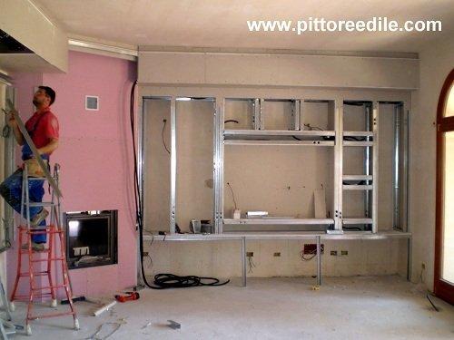 Nicchie in cartongesso e parete tv salone stucco veneziano